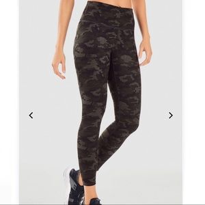 Fabletics High Waisted Power Hold Leggings (A3)